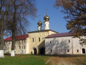 ТИХВИН - монастырь - кельи